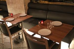 Mesas en El Bar