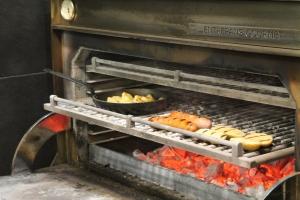 El horno a la brasa siempre a 300 grados
