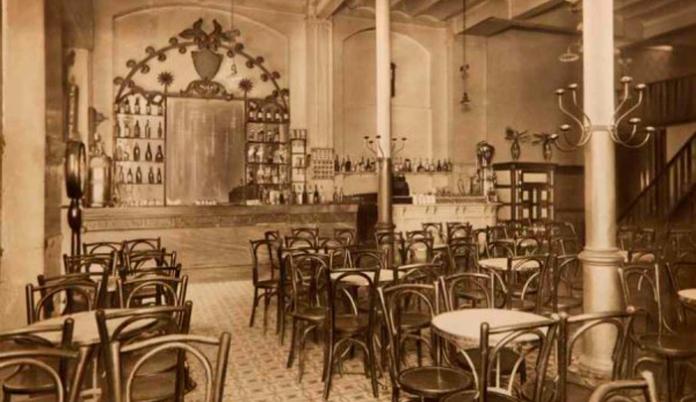 Bar Versalles en sus inicios