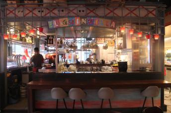 Bar de copas en La Barceloneta
