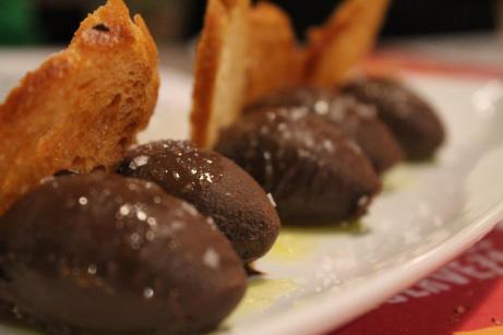 Ganache de chocolate con aceite de oliva virgen extra y una pizca de sal