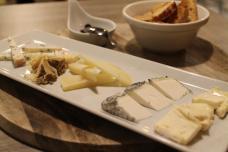 tapa-de-quesos-de-el-bar-del-basko_2563x1709